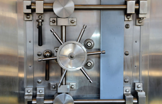 vault door at credit union installed by black mesa security